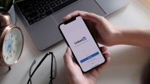 Using linkedIn App in Mobile